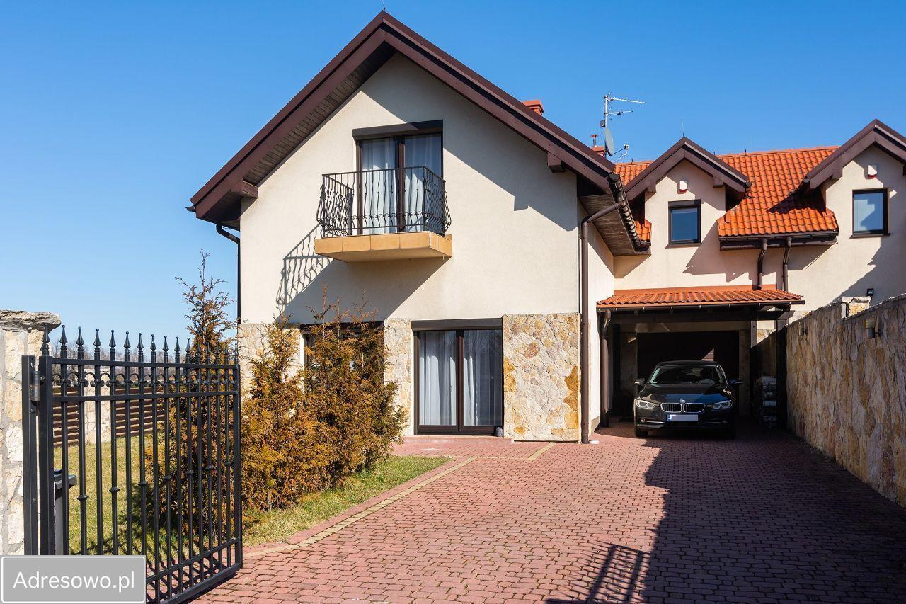 dom wolnostojący, 5 pokoi Michałowice, ul. Banasiówka