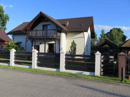 dom wolnostojący, 5 pokoi Sztutowo, ul. Bukowa 3