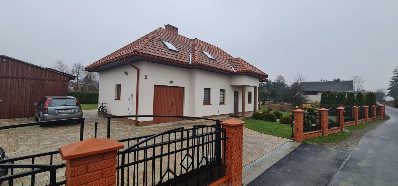 dom wolnostojący, 4 pokoje Zręcin, ul. Krzywa