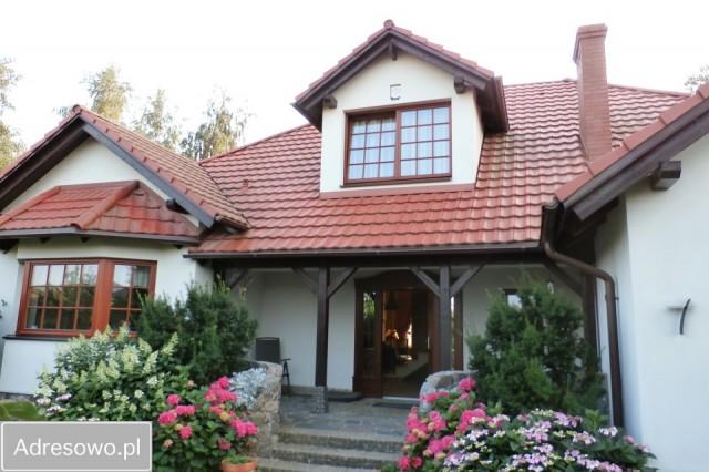 dom wolnostojący, 8 pokoi Straszyn, ul. Neptuna 7