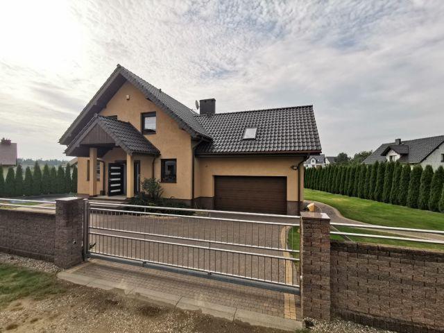 dom wolnostojący, 6 pokoi Leśniewo, ul. ks. B. Witkowskiego