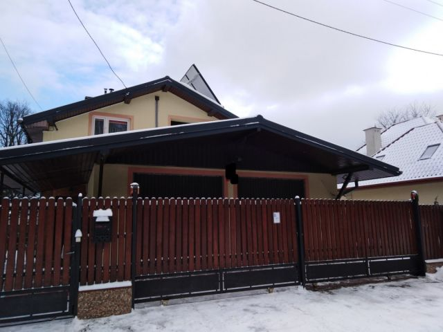 dom wolnostojący, 6 pokoi Zielonka, ul. Adama Mickiewicza