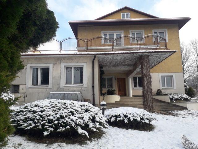 dom wolnostojący, 9 pokoi Krosno Zawodzie, ul. Seweryna Bieszczada