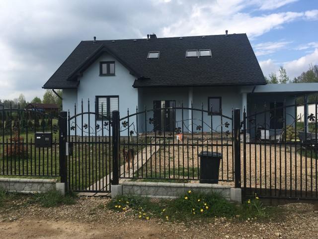 dom wolnostojący, 5 pokoi Pustkowie Lgockie, ul. Różana