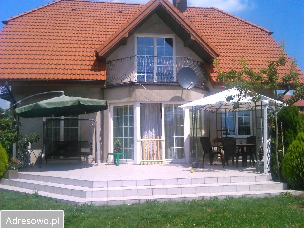 dom wolnostojący, 4 pokoje Łódź Widzew, rynek Nowosolna