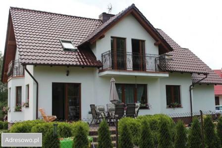 dom wolnostojący Osie