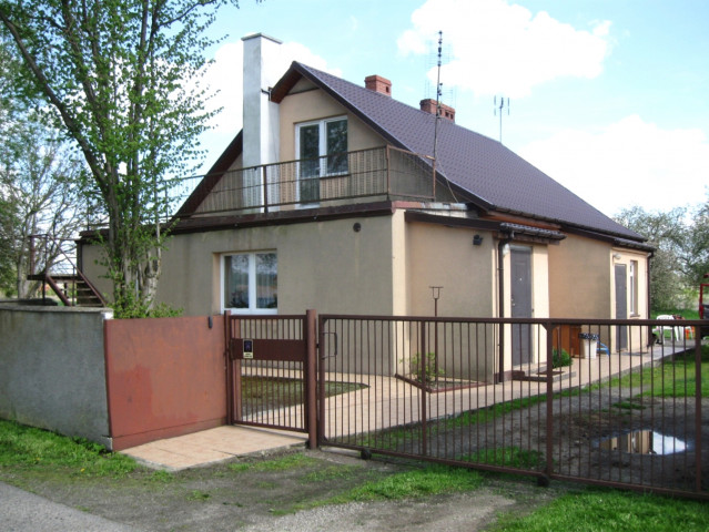 dom wolnostojący, 3 pokoje Suchań