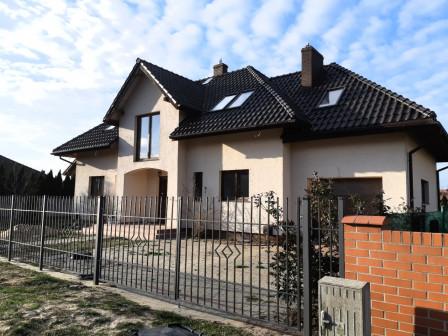 dom wolnostojący, 6 pokoi Dobra, ul. Tulipanowa