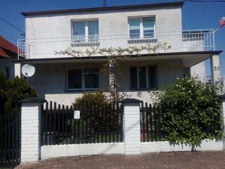 dom wolnostojący, 5 pokoi Nysa