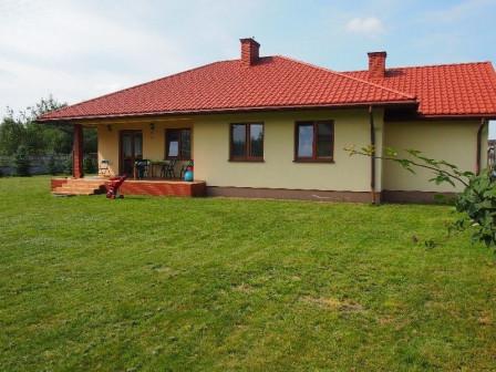 dom wolnostojący, 4 pokoje Biały Ług, ul. Bzów