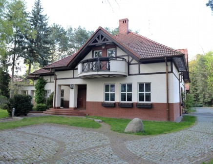 dom wolnostojący, 8 pokoi Puszczykowo Puszczykówko, ul. Bolesława Chrobrego 43