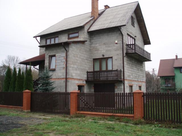 dom wolnostojący, 7 pokoi Kiernozia, os. Marii Walewskiej 15