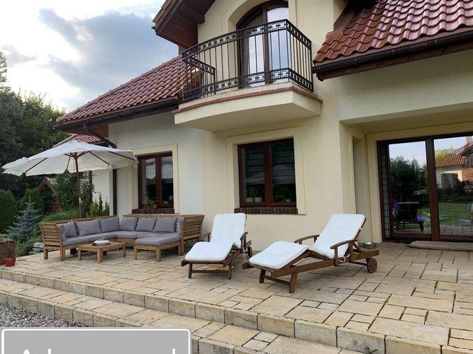 dom wolnostojący, 6 pokoi Stawiguda, ul. Polna