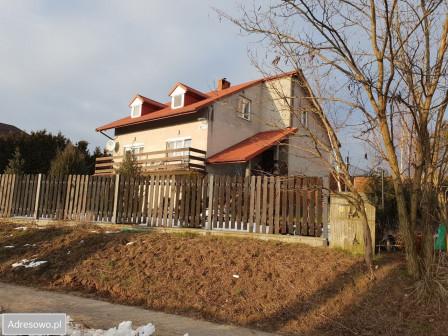 dom wolnostojący, 6 pokoi Łazieniec
