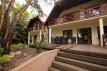 dom wolnostojący, 10 pokoi Komorów, ul. Wiejska