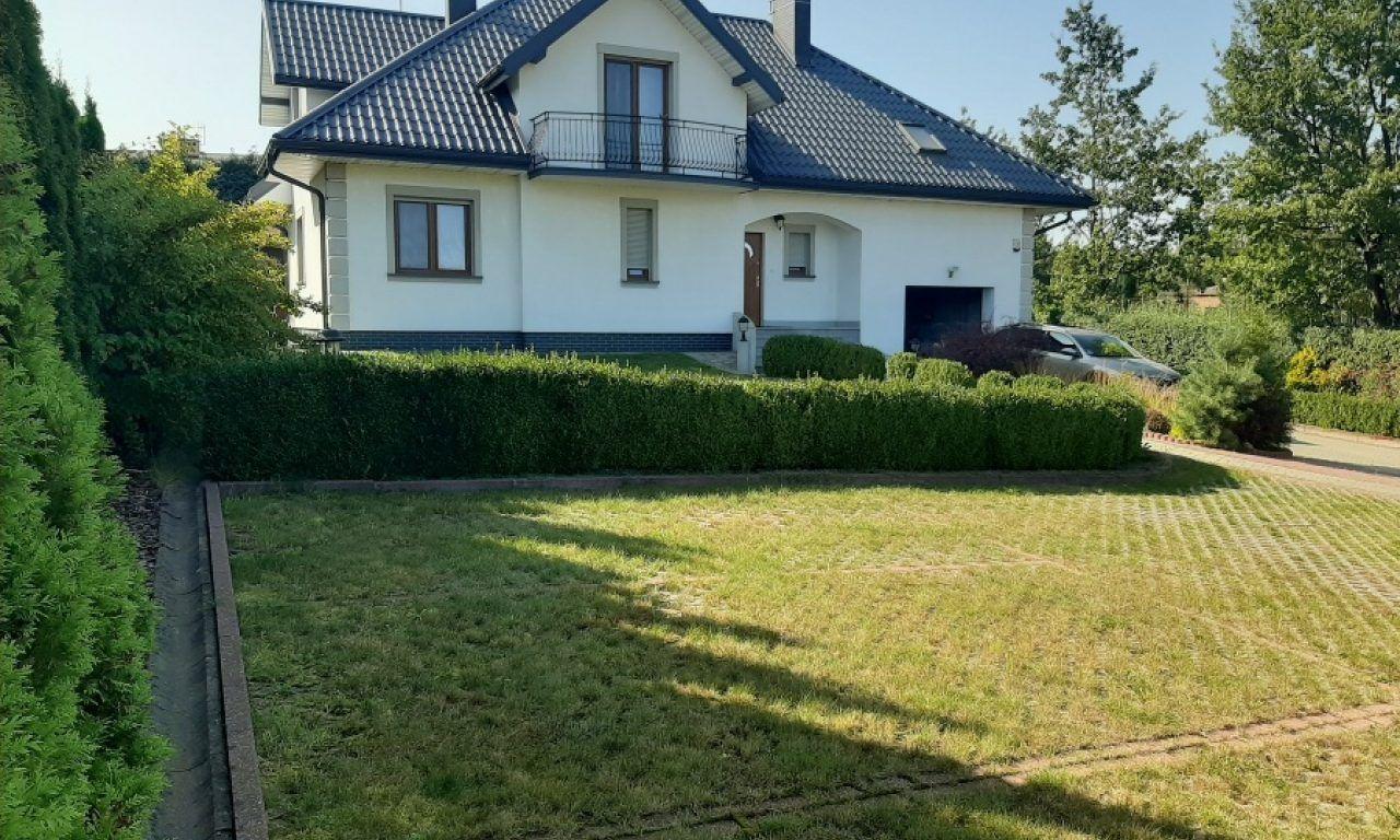 dom wolnostojący, 6 pokoi Kielanówka