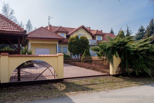 dom wolnostojący, 13 pokoi Dębica, ul. Cisowa