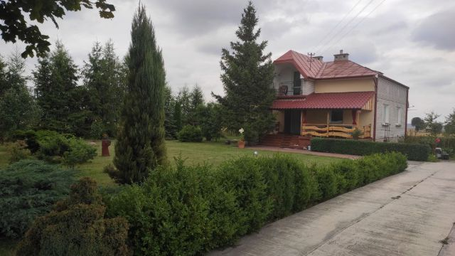 dom wolnostojący Eugeniów