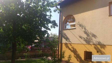 dom wolnostojący, 7 pokoi Zduńska Wola Osmolin, ul. gen. Władysława Sikorskiego 10