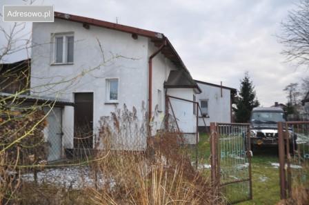 dom wolnostojący, 4 pokoje Szczerców, ul. Praga 98